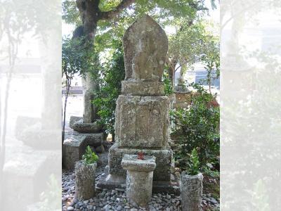 清泰寺の観音石像