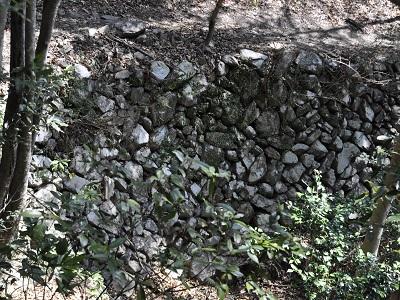 野地乱层堆石墙