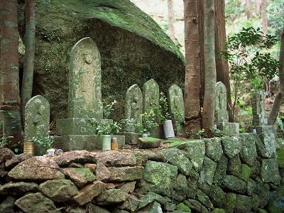 6体の石像